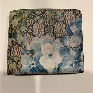 Gucci blue blooms billfold wallet